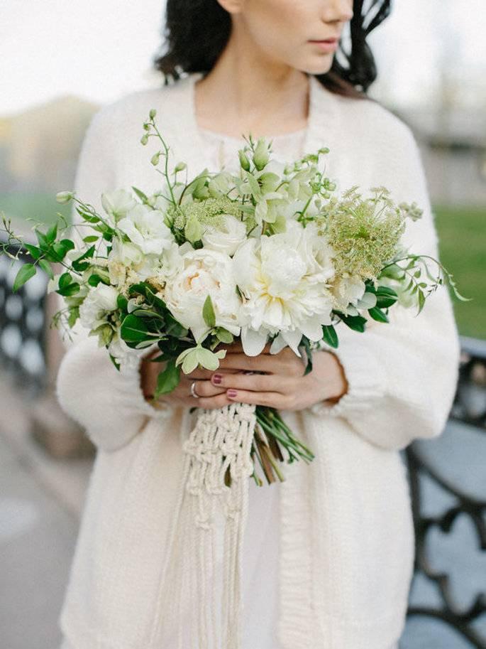 Можно ли букет невесты оставить себе – традиции и советы