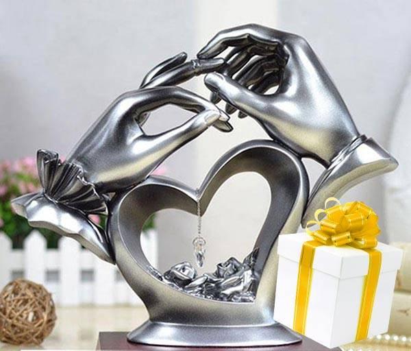 Подарок на свадьбу жене: как приятно удивить любимую?