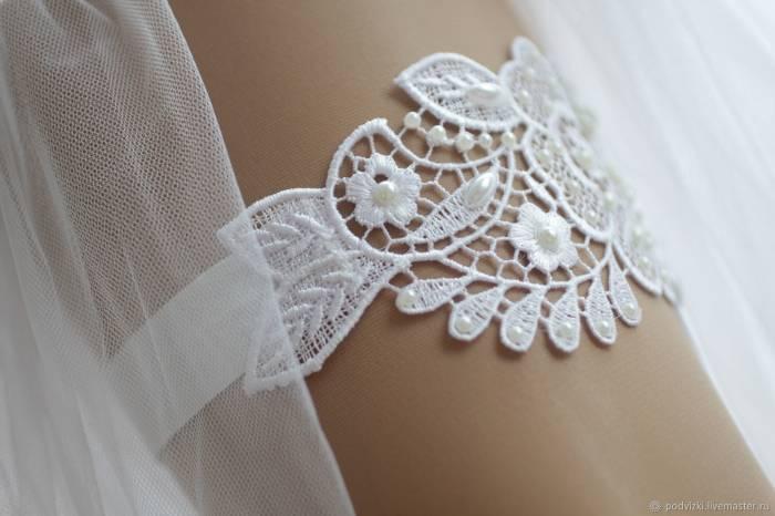 Подвязка невесты – традиции, обычаи и красивые модели