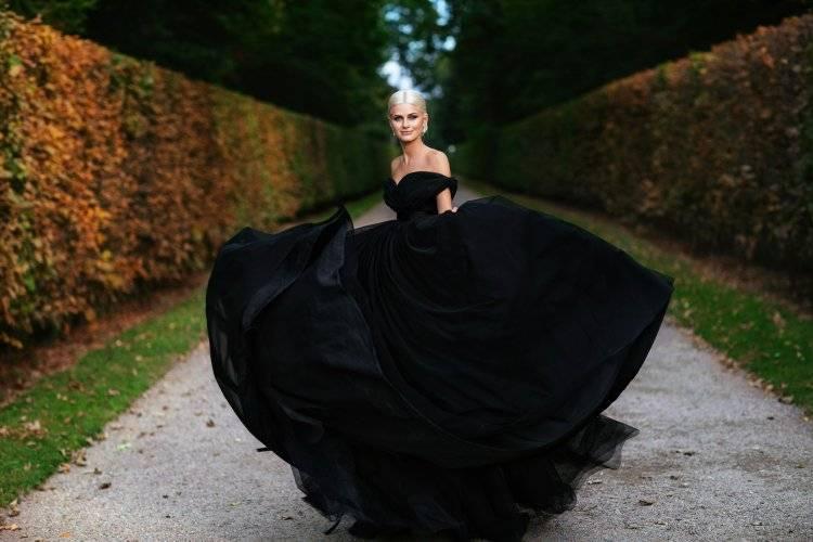 Красное платье на свадьбу: платья для подружек невесты