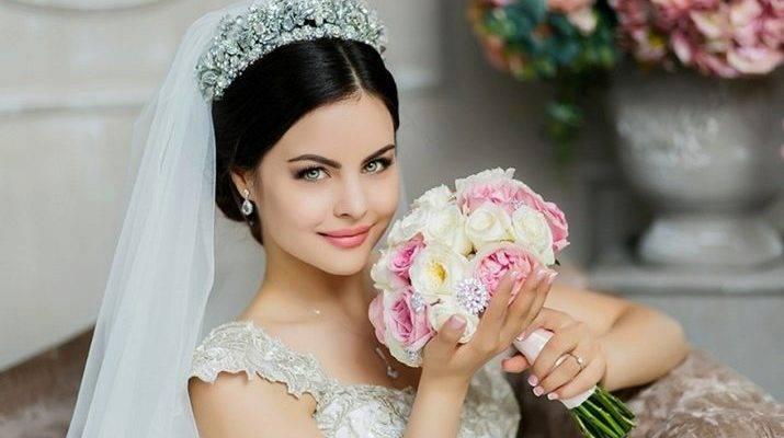 Свадебные прически на средние волосы — 90 фото милых и элегантных укладок