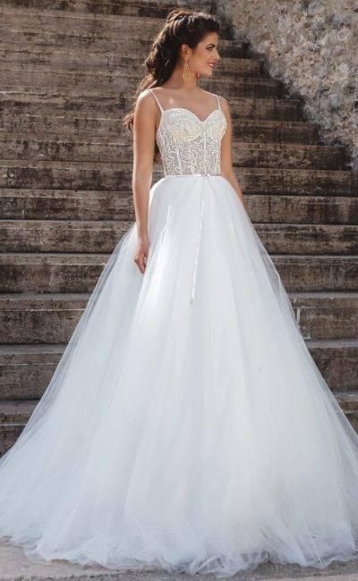 Must-have 2020 года – второе свадебное платье в дополнение к первому: фасоны, фото и наряды звезд