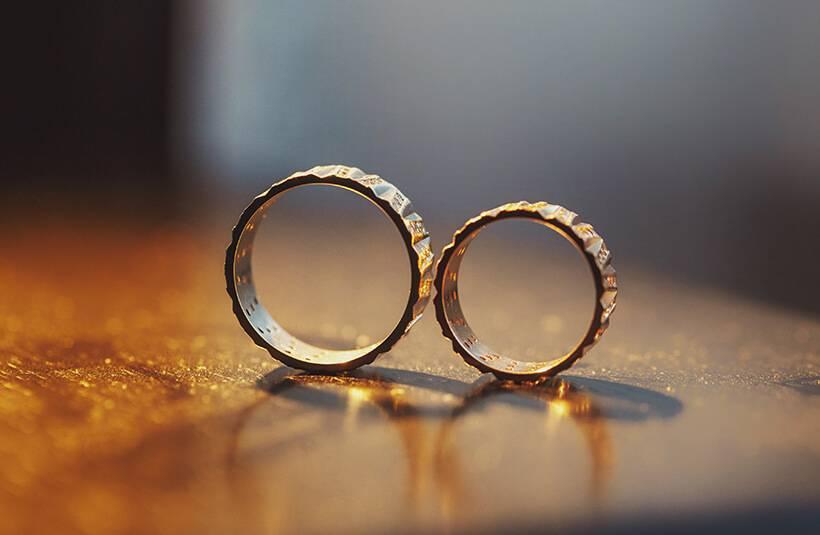 Что подарить на золотую свадьбу: лучшие идеи