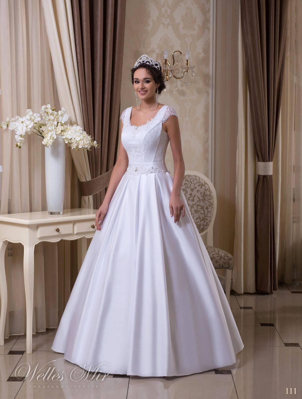 Платья прямого кроя – самые популярные модели