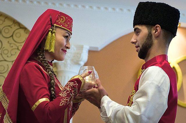 Обычаи и традиции перед свадьбой у разных народов