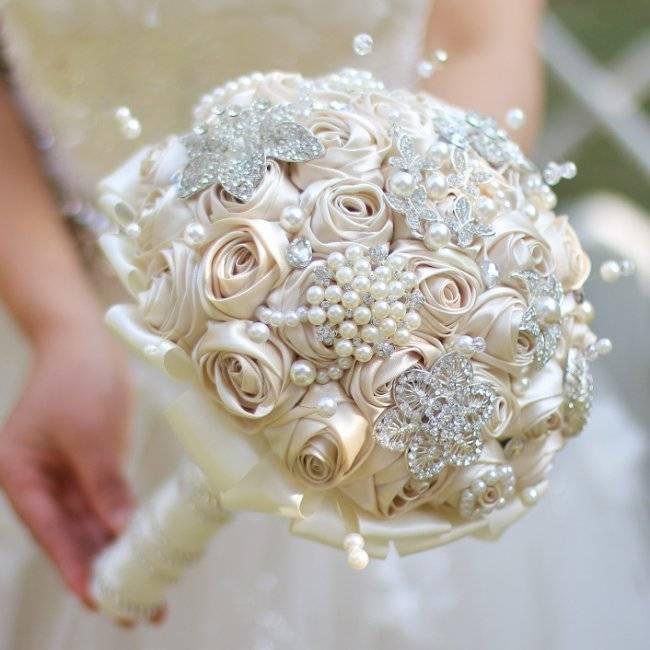 Свадебные брошь-букеты, как сделать брошь-букет, букет из бусин – мастер-класс