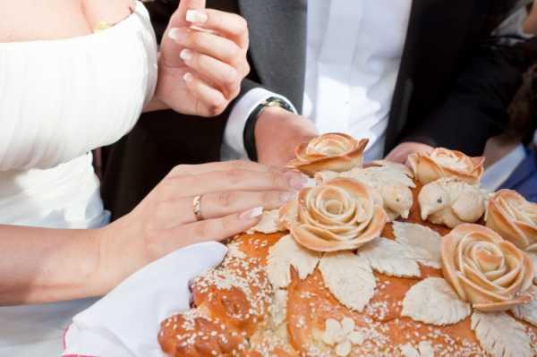 Свадебный каравай: приметы и поверья