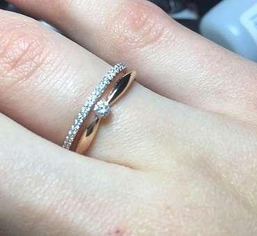 На какой руке носят обручальное кольцо мужчины и женщины – левой или правой | а также помолвочные, венчальные и непорочные – фото | залог успеха (бывший goldprice)
