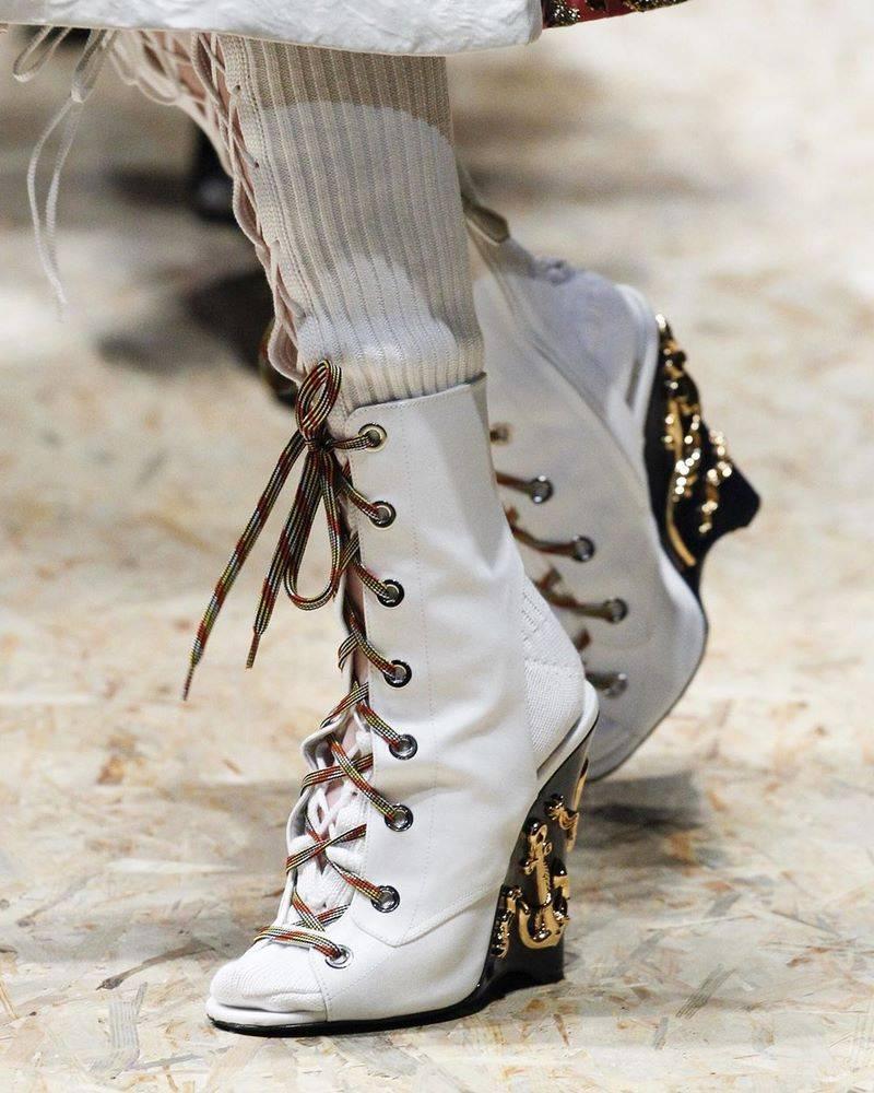 Свадебные туфли 2020 года: фото белых свадебных туфель