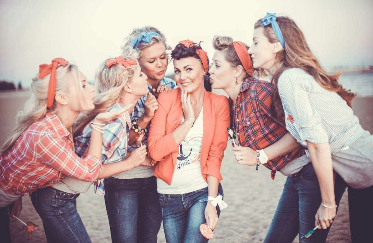 Интересные идеи для девичника – как оригинально расстаться с «холостяцкой» жизнью