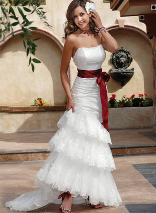 Стильные фасоны и модели свадебных платьев для полных девушек