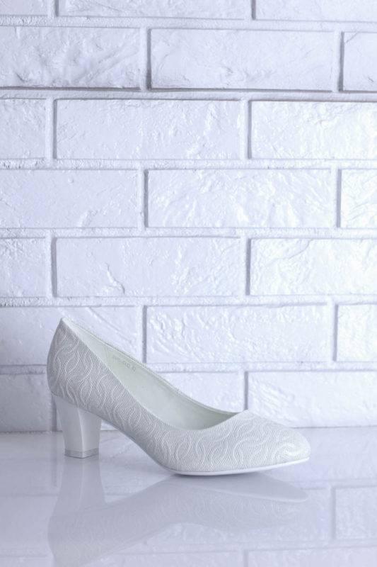 Выбираем бежевые свадебные туфли