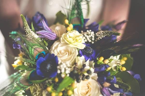 Букет невесты на портбукетнице