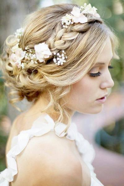 Прическа подружки невесты: 17 способов не затмить, но блеснуть