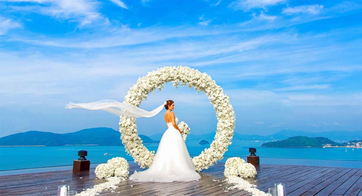 Свадебная церемония на пляже: советы по выбору платья, декора (фото, видео)