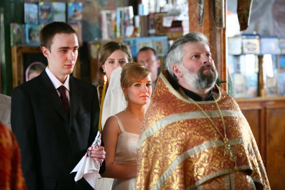 Венчание в церкви: правила, приметы, традиции