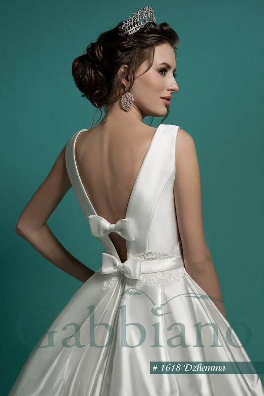 Модное платье с корсетом – свадебное, вечернее, пышное, кружевное, короткое, длинное, джинсовое, черное, красное, белое, голубое, футляр, какая прическа к нему подходит?