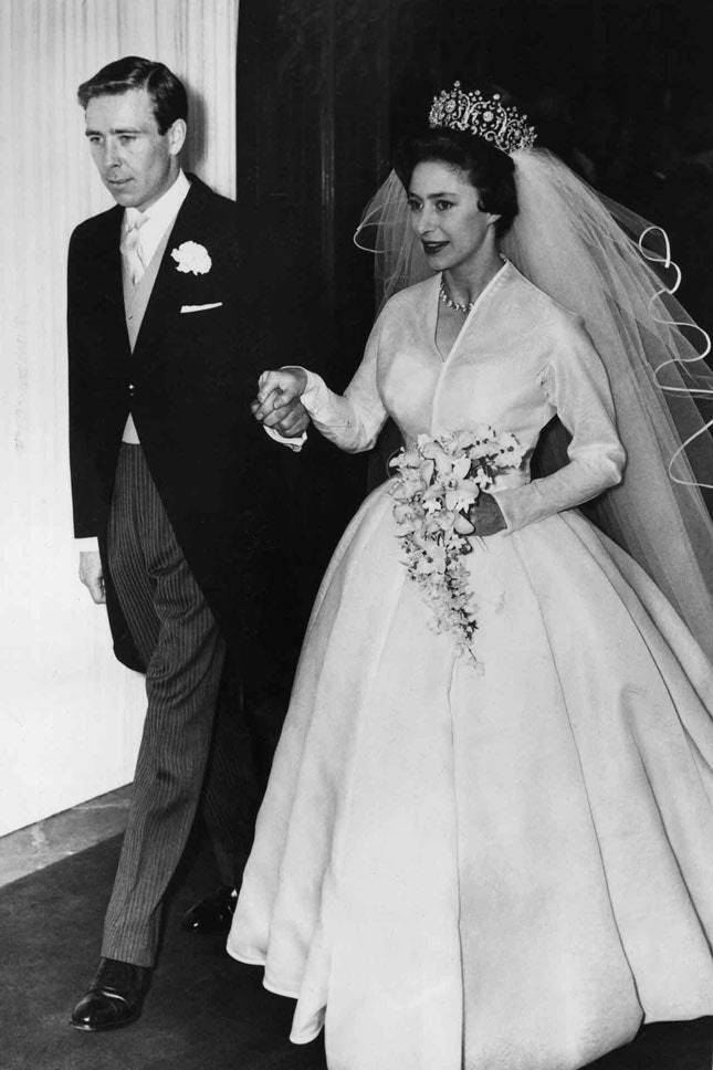 Какого цвета было свадебное платье на руси