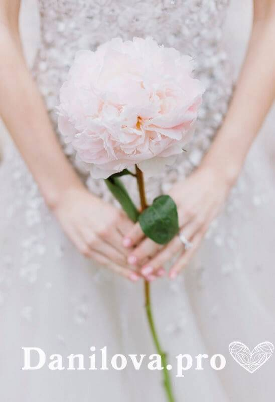 Букет невесты — обязательный атрибут современной свадьбы (87 фото-новинок)