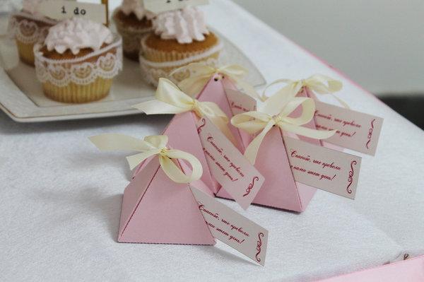 Свадебная бонбоньерка – маленький презент для гостей