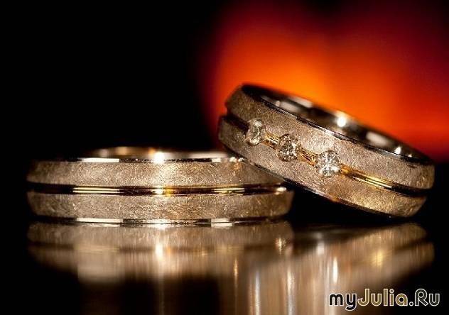 Самые необычные обручальные кольца: от украшений с отпечатками пальцев до колец «гайка + болт»
