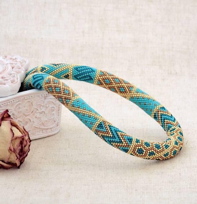 Свадебные украшения из бисера (фото)