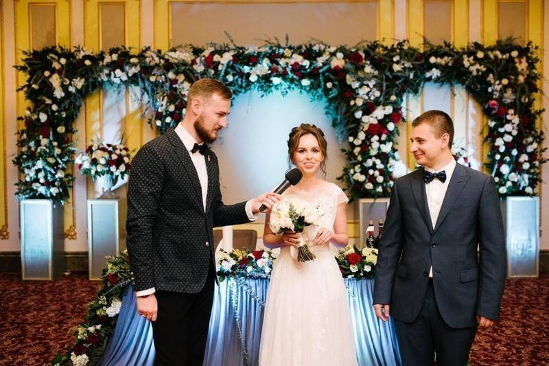 Как представить гостей на свадьбе?