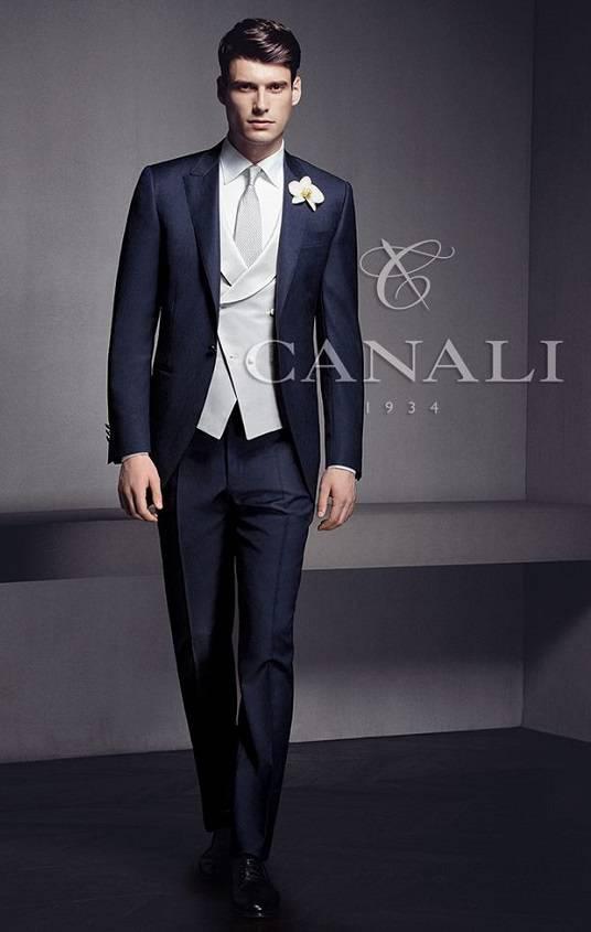 Мужские свадебные костюмы: какими бывают и как подобрать?