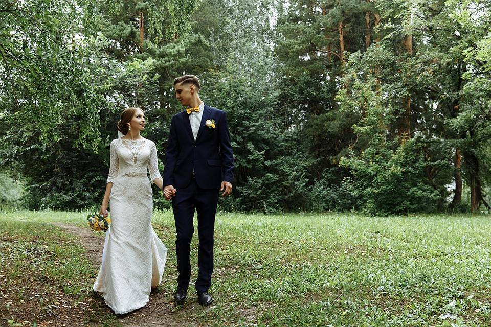Выбираем помощника на свадьбу: чем отличаются свадебный распорядитель, организатор, координатор?