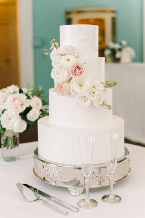 Красивые одноярусные свадебные торты: декор и примеры оформления. живые цветы или цветы из мастики?