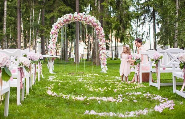 Создание свадебной арки: оригинальные идеи