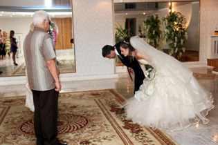 Слова благодарности жениху от невесты. искренние слова благодарности родителям в день рождения от дочери в стихах. красивые слова благодарности на свадьбе родителям жениха от невесты