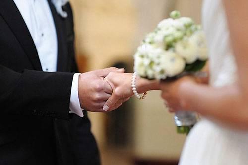 Свадебные клятвы молодожёнов: правила и секреты