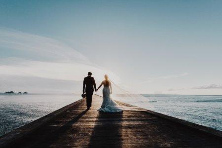 Из песочницы — в загс. ранние браки «за» и «против»
