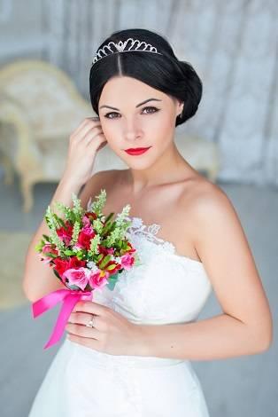 Особенности свадебного макияжа: как сделать в домашних условиях, пошагово