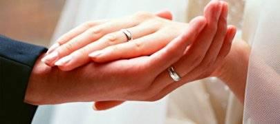 Что подарить жене на серебряную свадьбу?