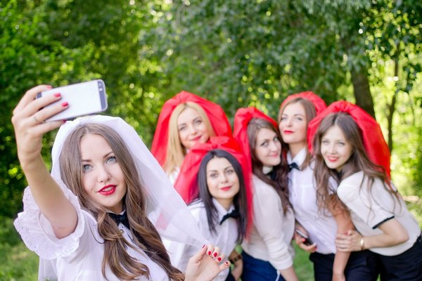 Прическа невесты с фатой — 112 фото подбора разных видов фаты под стиль невесты