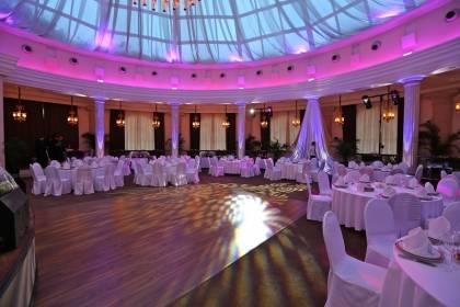 Свадьба: ресторан или кейтеринг. как выбрать? список вопросов. как выбрать ресторан на свадьбу. свадебный банкет и гости