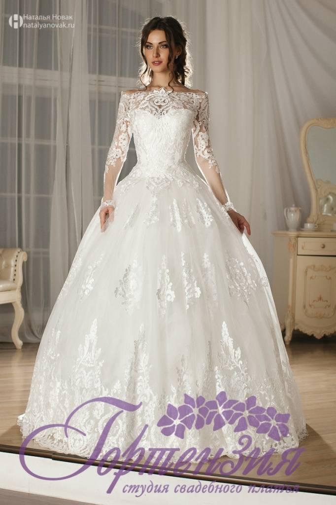 Вечерние кружевные платья – верх нежности и изящества