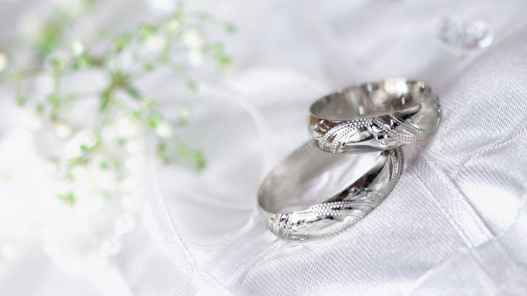 Подарок на серебряную свадьбу: что оригинальное и недорогое подарить родственникам на годовщину 25 лет?
