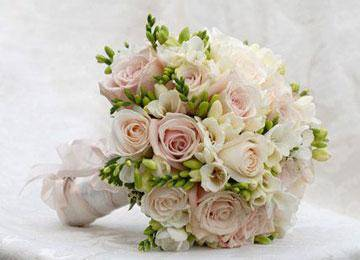 Фиолетовая свадьба (60 фото): идеи оформления свадебного фона в бело-фиолетовом цвете. что означает насыщенно-фиолетовый тон на свадьбе?