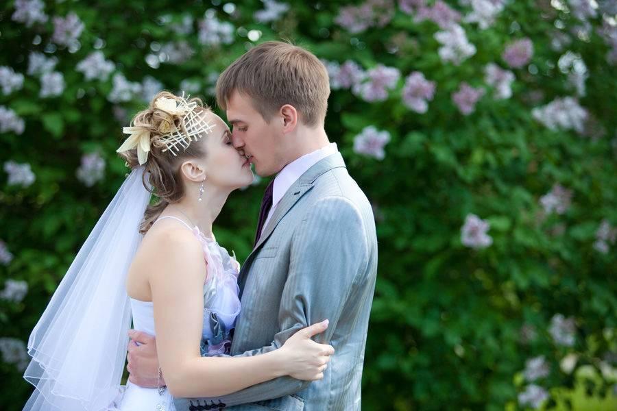 Как выбрать свадебного фотографа: требования к мастеру и идеи для фотосессий