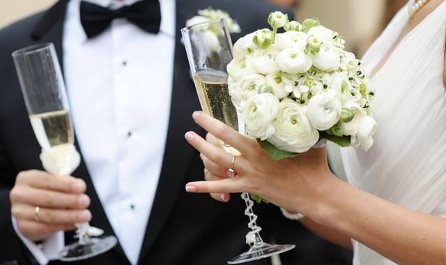 Поздравления на свадьбу: прикольные  50 пожеланий молодоженам с бракосочетанием, интересные, с юмором, шуточные, в стихах