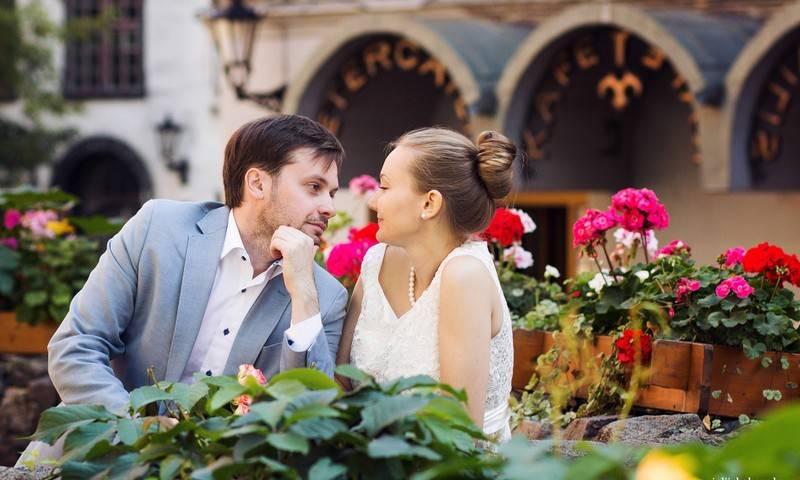 Что дарить на золотую годовщину (50 лет свадьбы)?