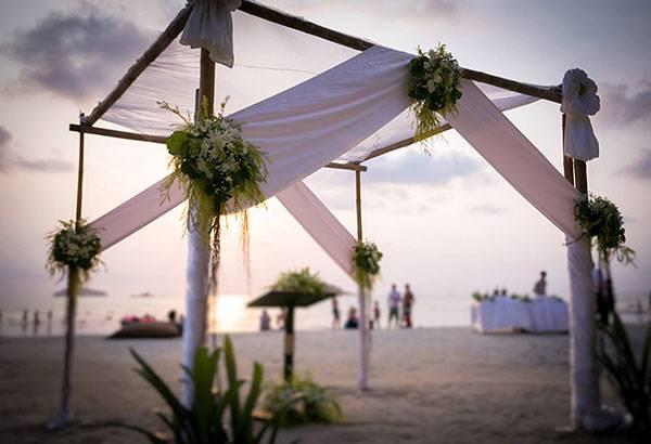 Выбираем свадебную арку для выездной регистрации
