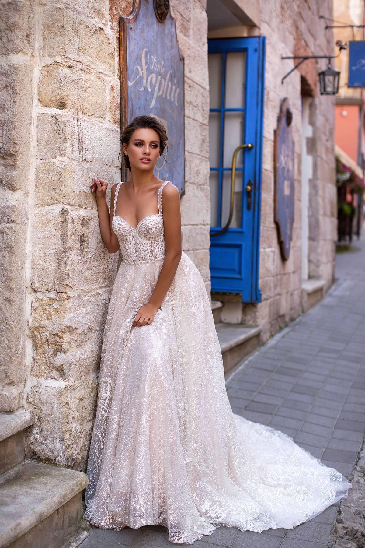 Отпаривание свадебного платья: как отпарить отпаривателем или утюгом платье из фатина в домашних условиях?