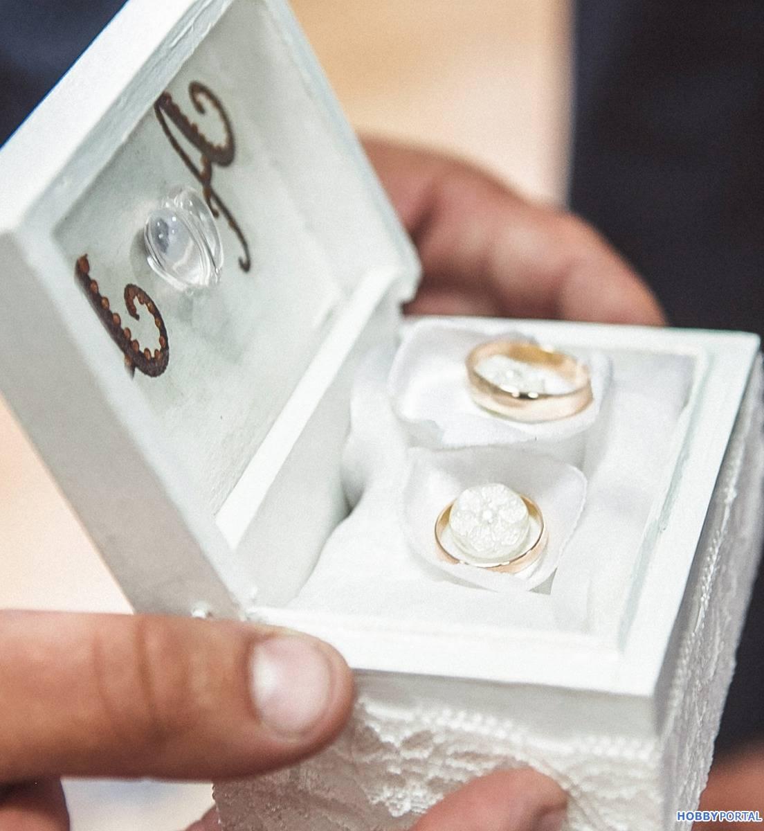 Шкатулка для украшений своими руками: как сделать шкатулку для колец и других ювелирных украшений из коробки и картона, дерева и других материалов?