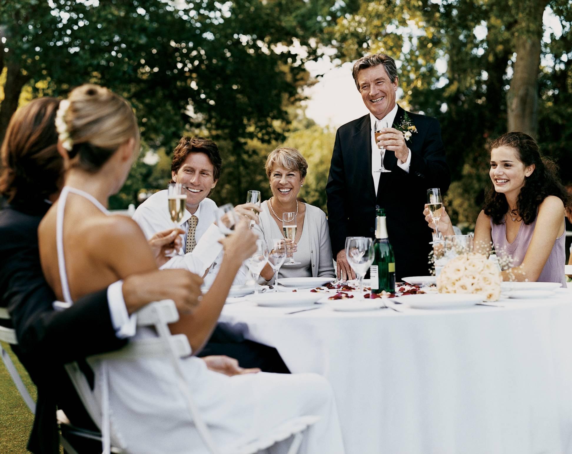 Тосты для тамады на свадьбу – варианты поздравлений