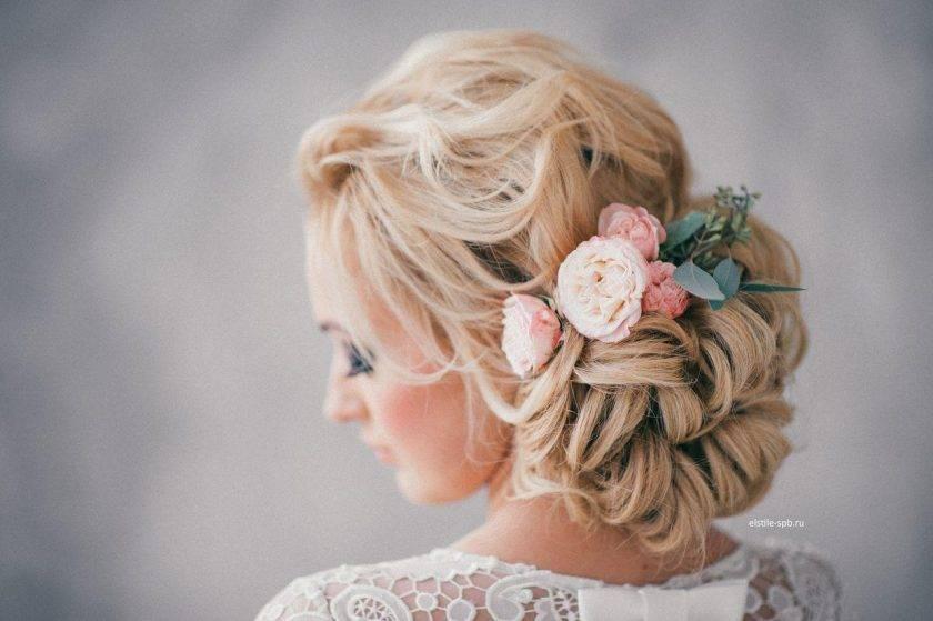 Свадебные прически на средние волосы (139 фото): укладка с диадемой для невесты на распущенные локоны длиной до плеч