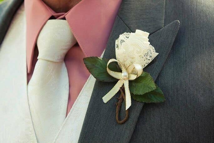 Как создать свадебные бутоньерки своими руками?
